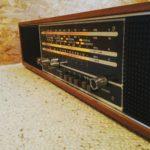 Radio: Prominent DeLuxe 210